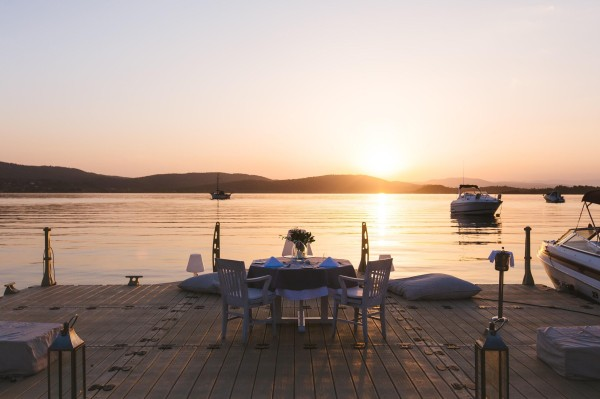 tables-on-a-dock